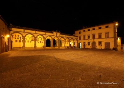 Piazza del Comune Castiglion Fiorentino Arezzo notturna